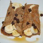gluten-free quinoa pancakes | from accidentallycrunchy.com
